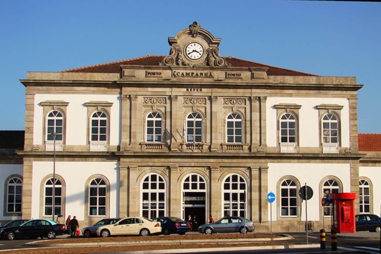 <span class='local'>Estação de Comboios Campanhã</span>